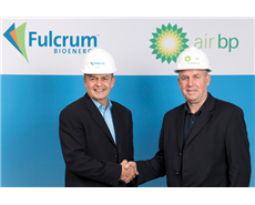 E James Macias, president and CEO of Fulcrum (left), signs agreement with David Gilmour, vice president technology, Commercialisation and Ventures, BP Ventures.