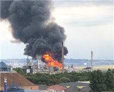 Fire at Shell Stanlow refinery. @thomodavie.